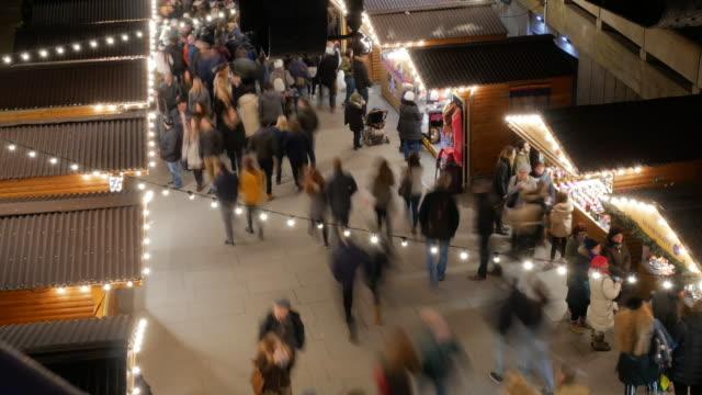 london und attraktionen rund um london - weihnachtsmarkt - weihnachtsmarkt stock-videos und b-roll-filmmaterial