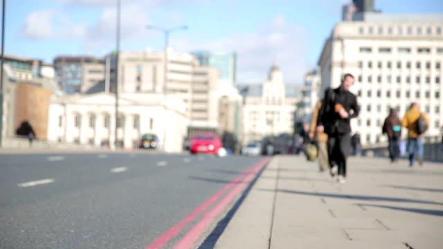 London Bridge commuters walk to work video