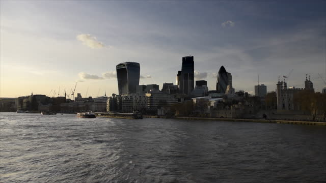 London by sunset, UK video