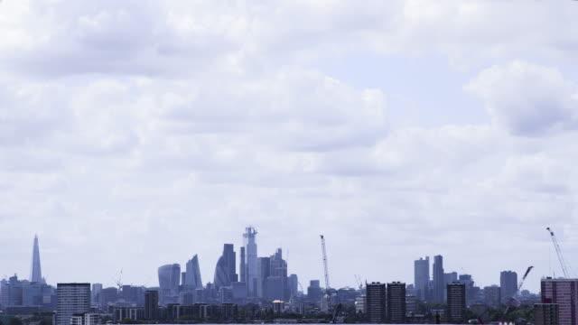 런던 시티스케이프 - 배경 초점 스톡 비디오 및 b-롤 화면