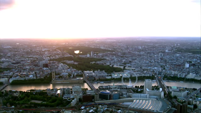 London HD Aerial at Sunset video