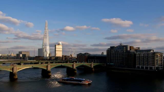 london hd-the shard time lapse dal giorno alla notte - london bridge inghilterra video stock e b–roll