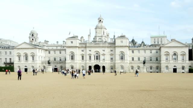 馬ガード建物、ロンドン(4 k /uhd hd ) - 名所旧跡点の映像素材/bロール
