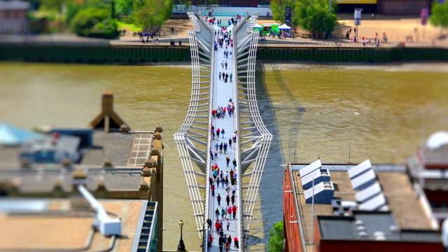 London Millennium Bridge, Time Lapse + Tilt Shift video