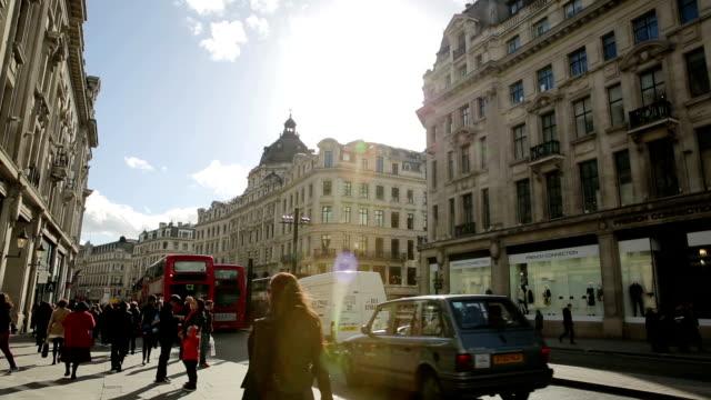vídeos y material grabado en eventos de stock de london regent street, cerca de oxford circus - london