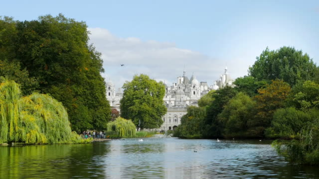 London St. James's Park And Horse Guards Building Cinemagraph video