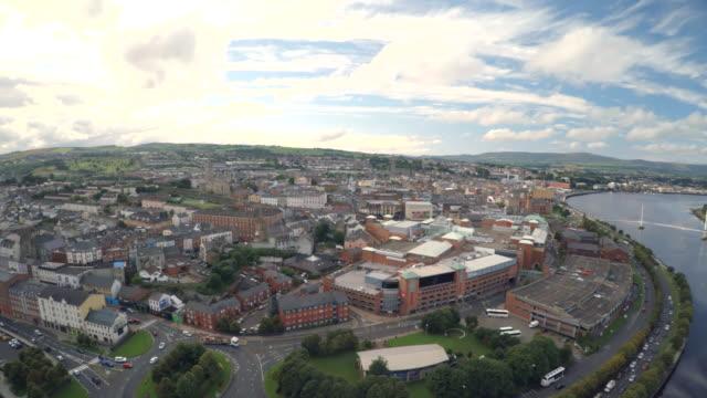 londonderry, derry northern ireland uk - графство дерри стоковые видео и кадры b-roll