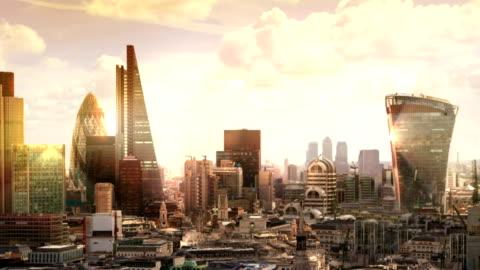 vidéos et rushes de ville de londres. panorama de londres au coucher du soleil. vue de la cathédrale saint-paul - horizon urbain