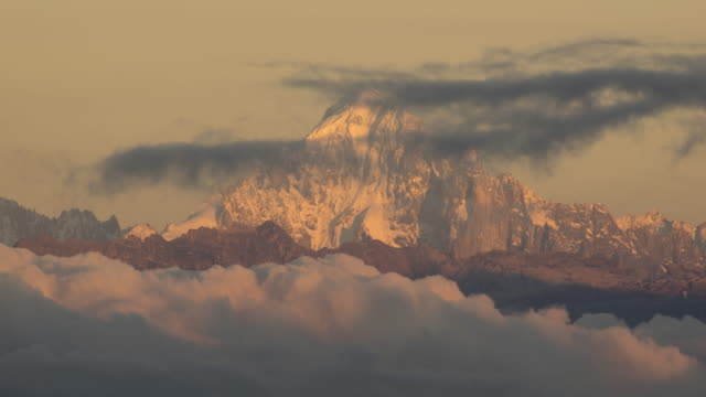 long distance shot of mountain grandes jorasse - monte bianco video stock e b–roll