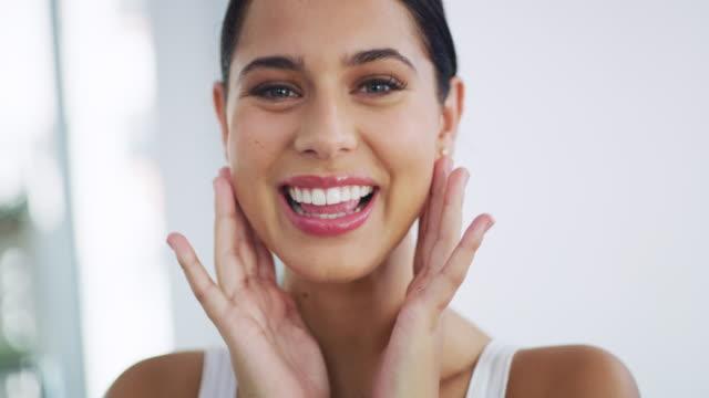 look after your skin and you'll see... - гладкая поверхность стоковые видео и кадры b-roll