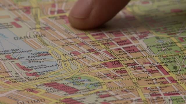 stockvideo's en b-roll-footage met looking in the city map hd 1080 - roadmap