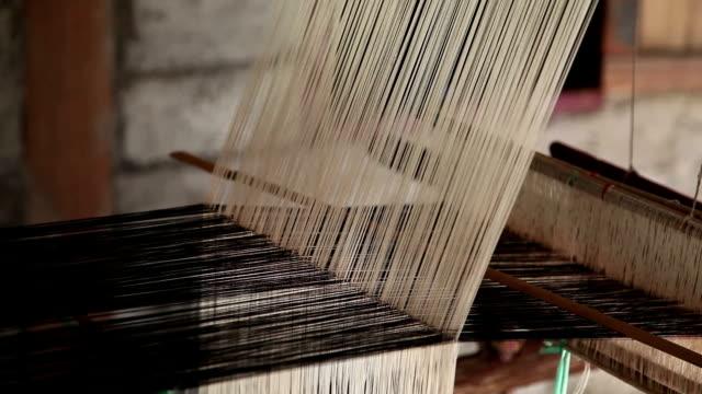 Loom in village house video