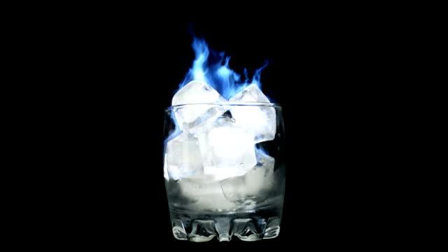 loopable fiamma blu. ghiaccio in vetro - ice on fire video stock e b–roll