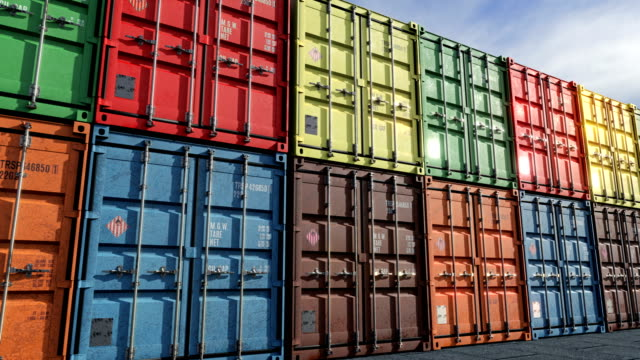 Loopable move along rows of cargo containers