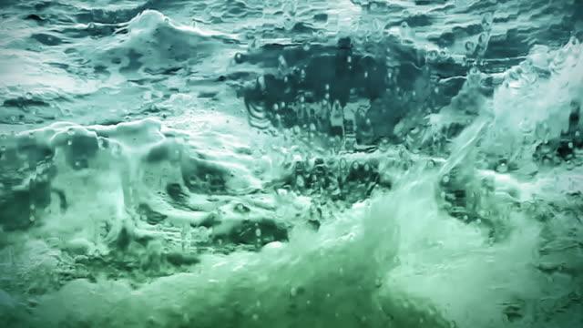 Loopable! Slow motion ocean waves breaking over camera video
