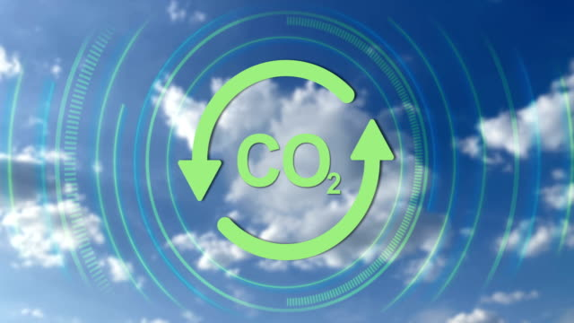looping recycle icon and chemical formula of co2, 4k video - anidride carbonica video stock e b–roll