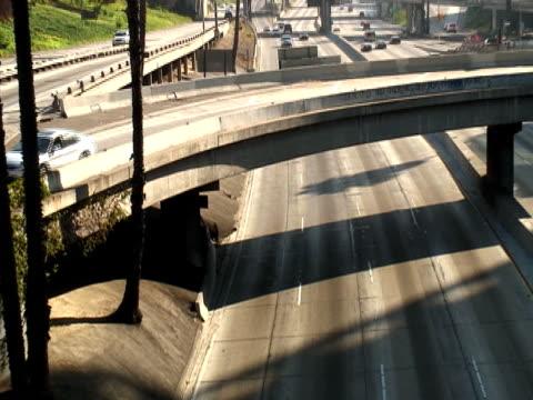 vidéos et rushes de los angeles : urban échangeur - route surélevée