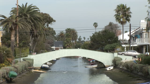 (HD1080i) Los Angeles: Venice Canal Traffic, Car and Bike video