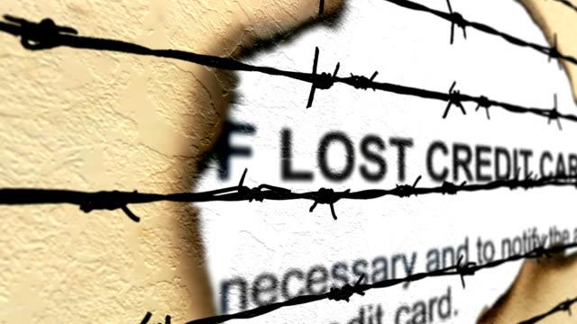 鉄線に対して失われたクレジット カード - なりすまし犯罪点の映像素材/bロール