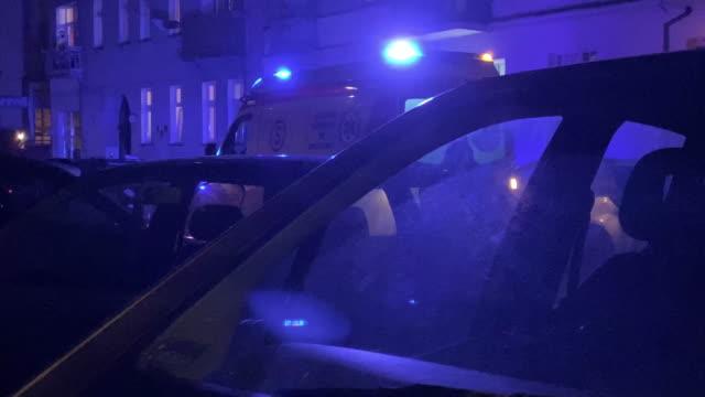 massor av blått ljus på gatan - ultra high definition television bildbanksvideor och videomaterial från bakom kulisserna