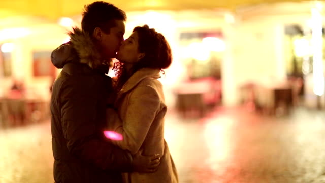Amore a notte - video