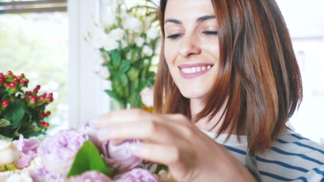 jag älskar blommor! - blomstermarknad bildbanksvideor och videomaterial från bakom kulisserna
