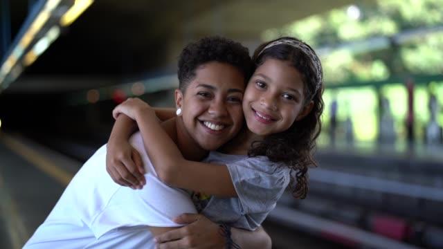 любовь сестер - бразилец парду стоковые видео и кадры b-roll