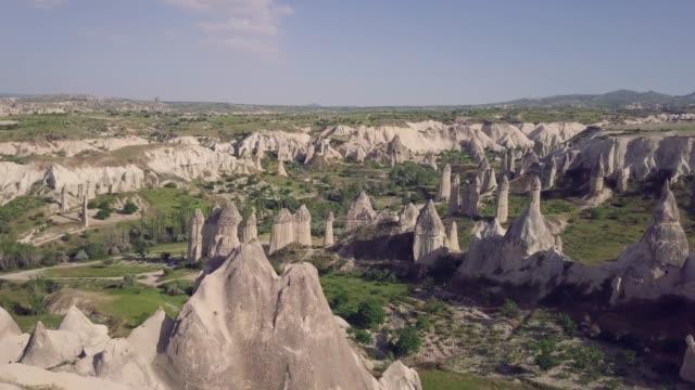 love valley in cappadocia - obiekt światowego dziedzictwa unesco filmów i materiałów b-roll
