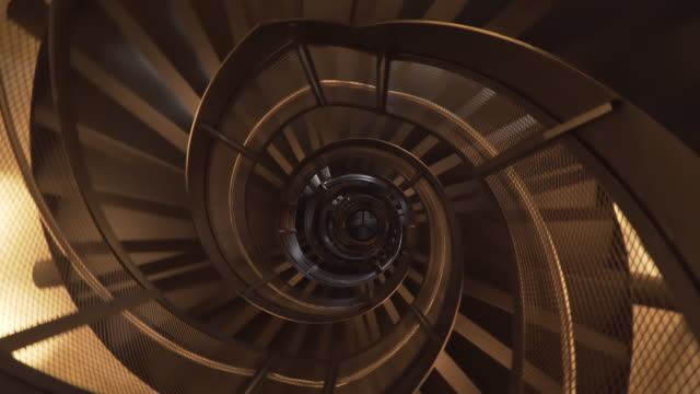 låg vinkel rotationsvy: stege i tornet, innsbruck, österrike - trappa bildbanksvideor och videomaterial från bakom kulisserna