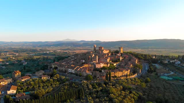 Lucignano fort medieval town in tuscany Lucignano fort medieval town in tuscany renaissance architecture stock videos & royalty-free footage