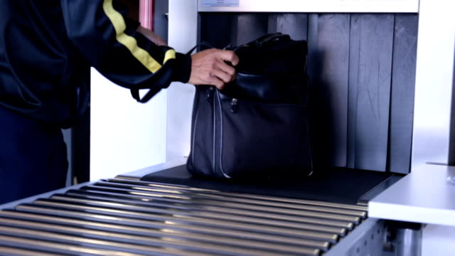 Luggage screening on location x-ray device video