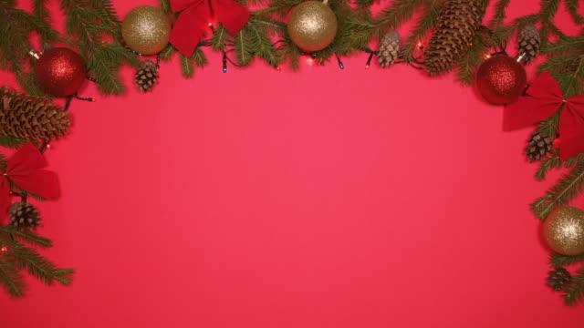 leuchtende girlanden sekt auf weihnachten hintergrund - rand stock-videos und b-roll-filmmaterial