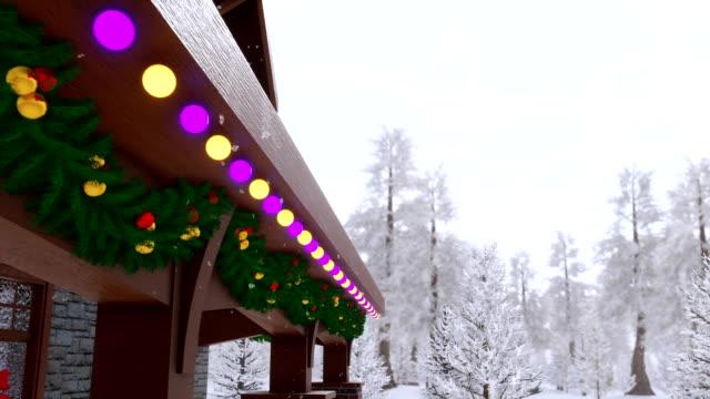 stockvideo's en b-roll-footage met luxe landhuis ingericht door christmas lights close-up - christmas cabin