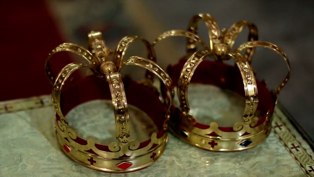 Luxury golden crowns for the wedding ceremony video