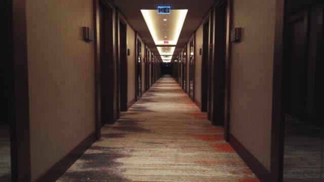 vidéos et rushes de couloir des chambres d'hôtel de luxe - hotel