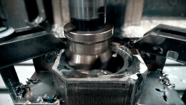 cnc-maskin / svarv - svarv bildbanksvideor och videomaterial från bakom kulisserna