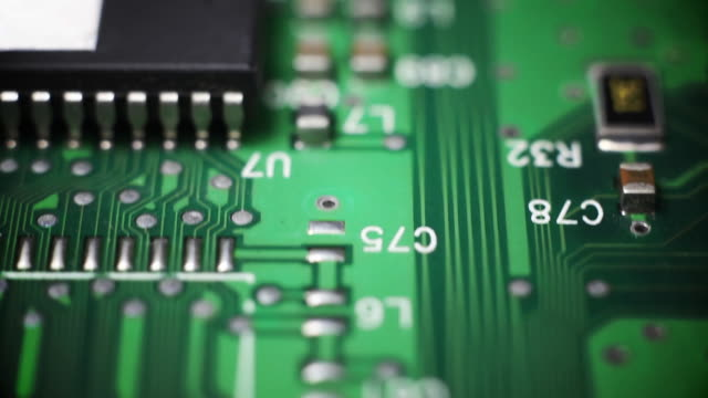 macro circuito cavalcavia - scheda a circuito video stock e b–roll