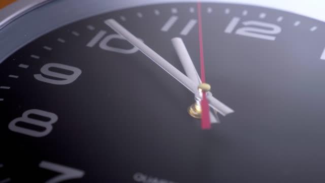 매크로-저속 타임 랩 스 - clock 스톡 비디오 및 b-롤 화면