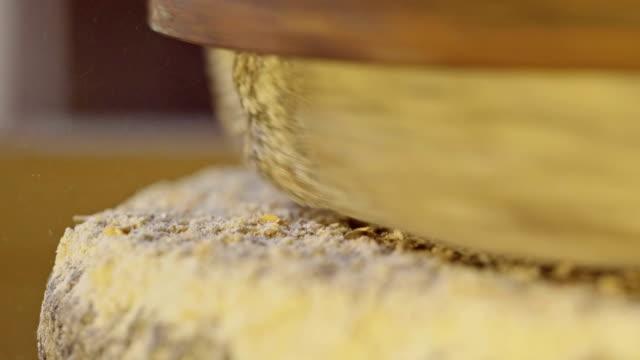 vídeos y material grabado en eventos de stock de macro shot of muela de esmerilado de trigo - grind