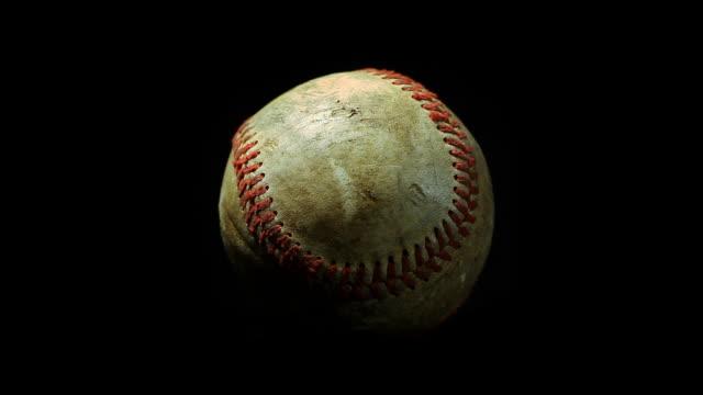 vídeos y material grabado en eventos de stock de macro spinning de béisbol - béisbol