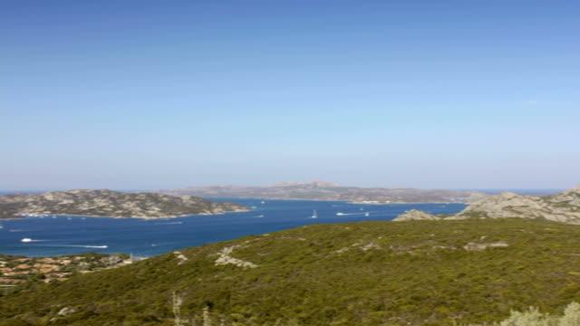arcipelago della maddalena, in sardegna, italia - arcipelago video stock e b–roll