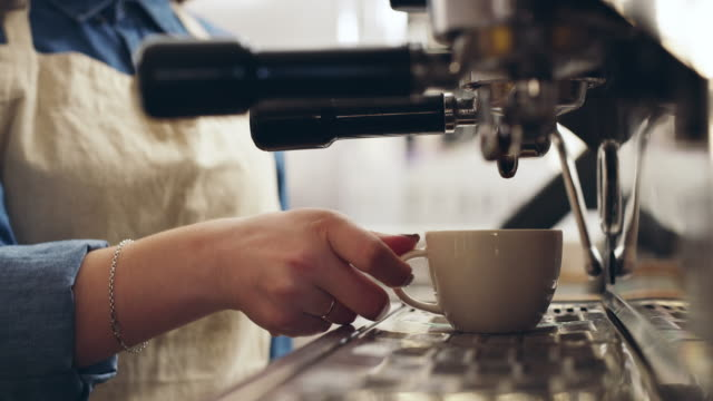 コーヒー愛好家、コーヒー愛好家のために作られました。 ビデオ