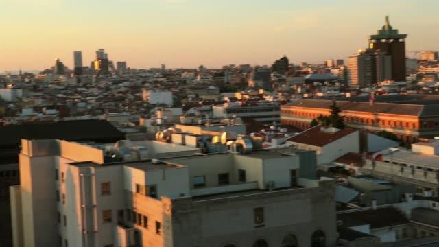 madrid observationsdäck gran via metropolis sunset panorama, realtid - spain solar bildbanksvideor och videomaterial från bakom kulisserna