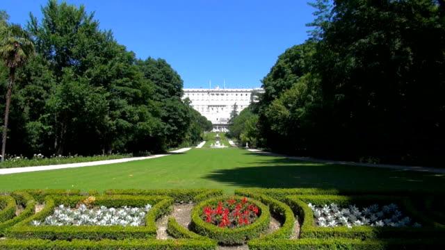 Madrid Royal Palace gardens video