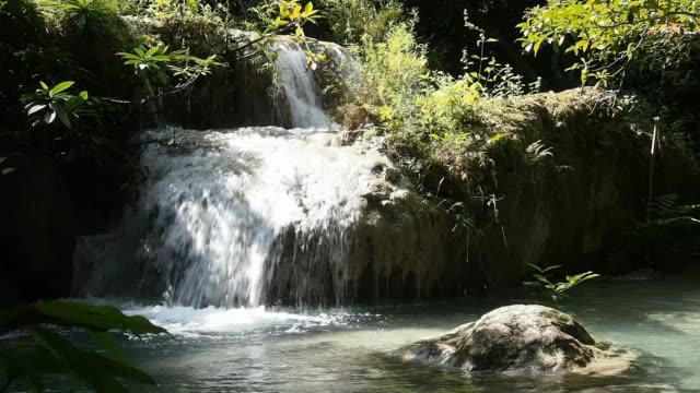 cascata maekhamin - attività equestre ricreativa video stock e b–roll