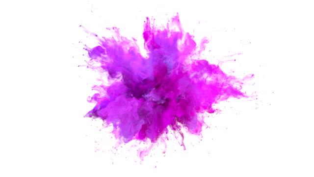 vídeos y material grabado en eventos de stock de magenta rosa color burst-partículas de fluido de explosión de humo colorido de movimiento lento alfa mate aislado en blanco - rosa color