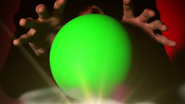 vidéos et rushes de boule magique avec l'écran vert - charmeur