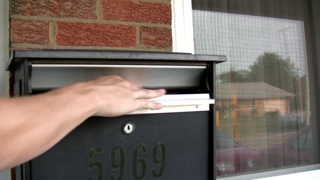 Mail into Mailbox video