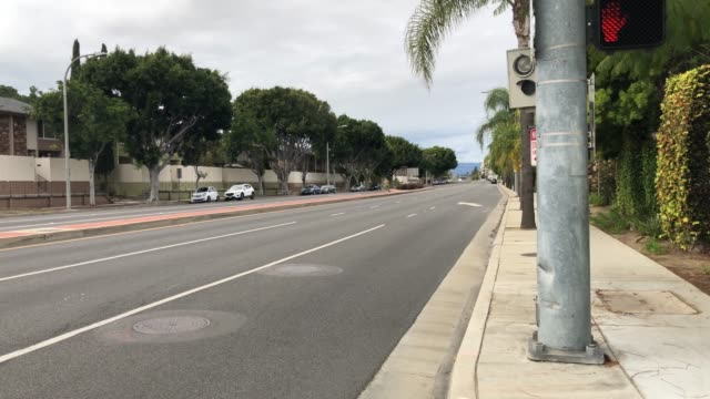 A main avenue in Los Angeles empty due to coronavirus video