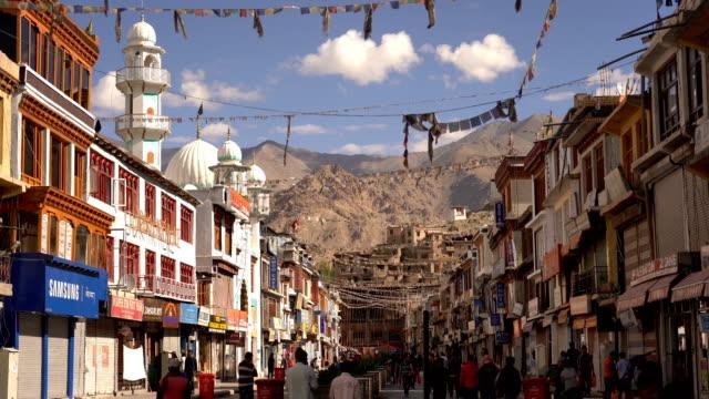 main bazar street in leh city, ladakh - india video stock e b–roll